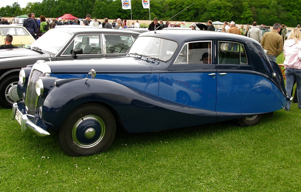 Daimler DB18 Empress Saloon Hooper