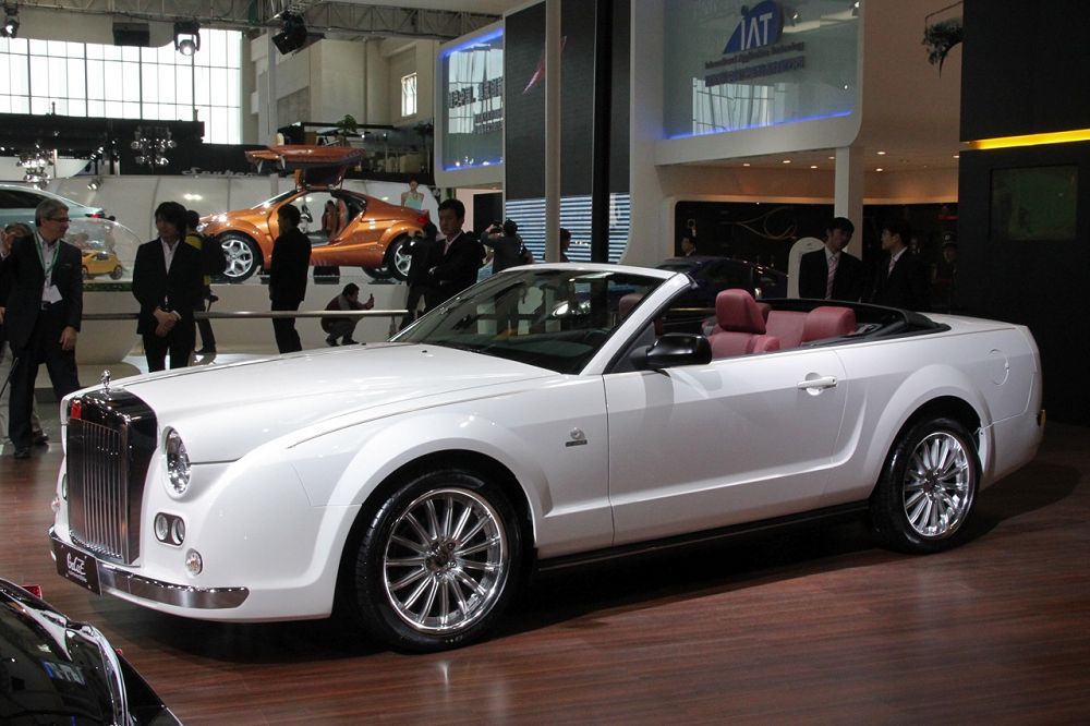Mitsuoka Galue Convertible V8