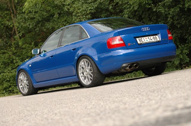 MTM Audi RS4 sedan project MTM 470 PS