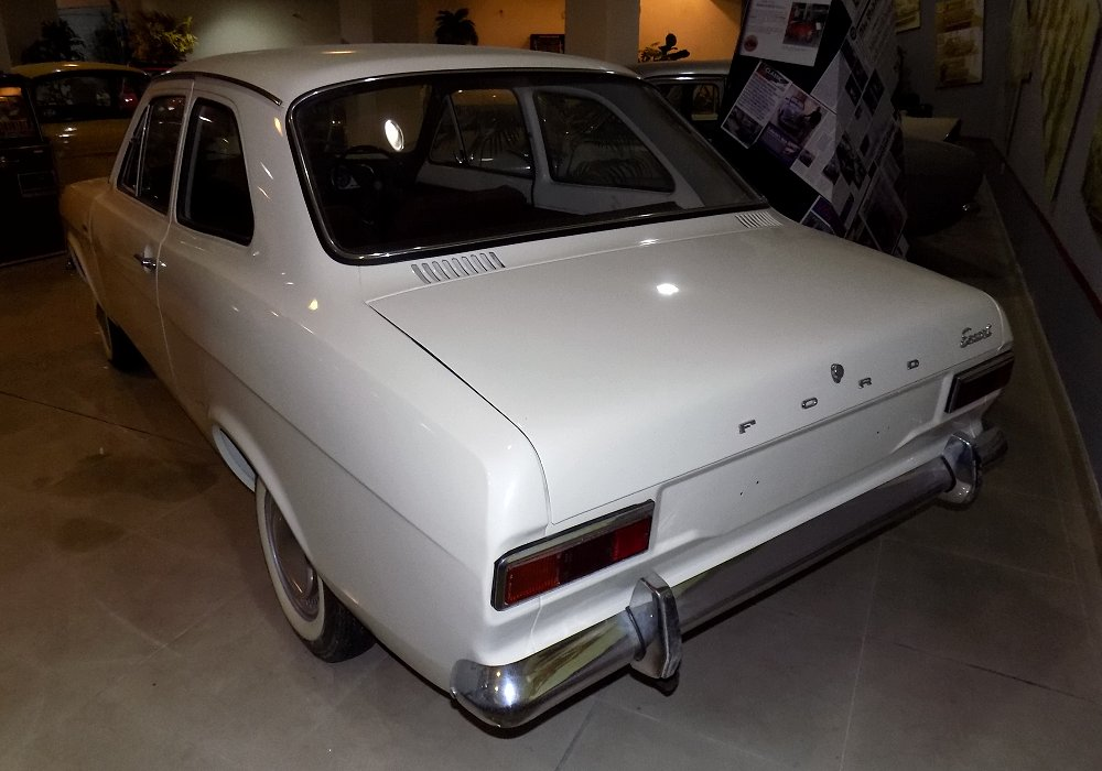 Ford Escort 1300 DeLuxe