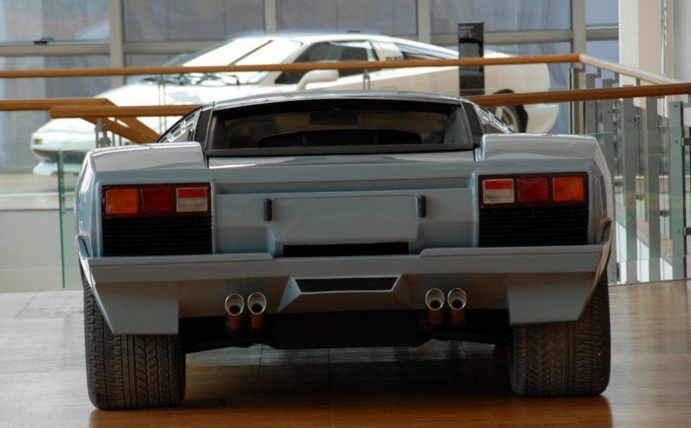 Lamborghini P132