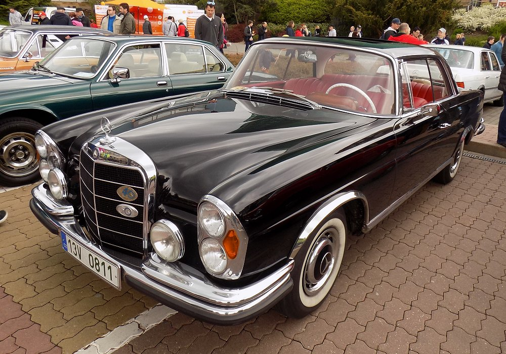 Mercedes-Benz 220 SE Coupé