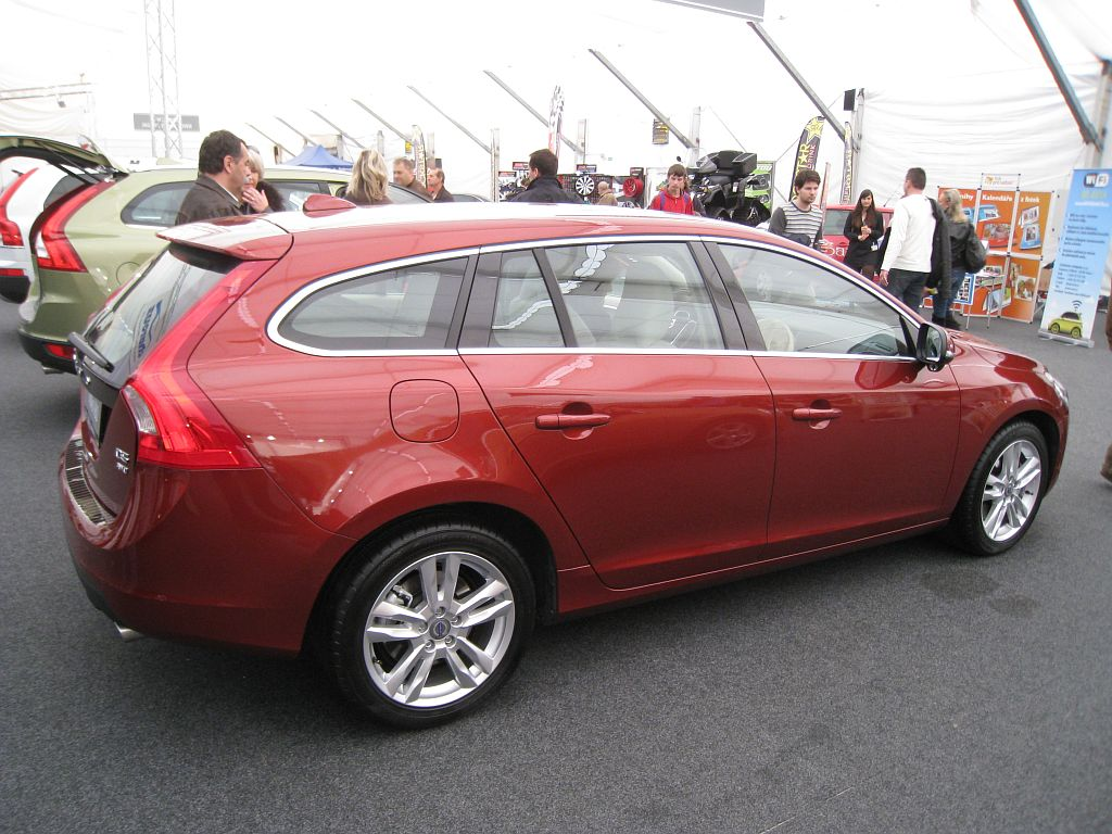 volvo v60 d5 awd 2010 auta5p id 16989 en. Black Bedroom Furniture Sets. Home Design Ideas