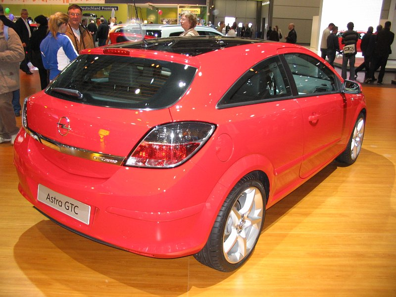 opel astra gtc 2 0 turbo 2006 auta5p id 11030 en. Black Bedroom Furniture Sets. Home Design Ideas