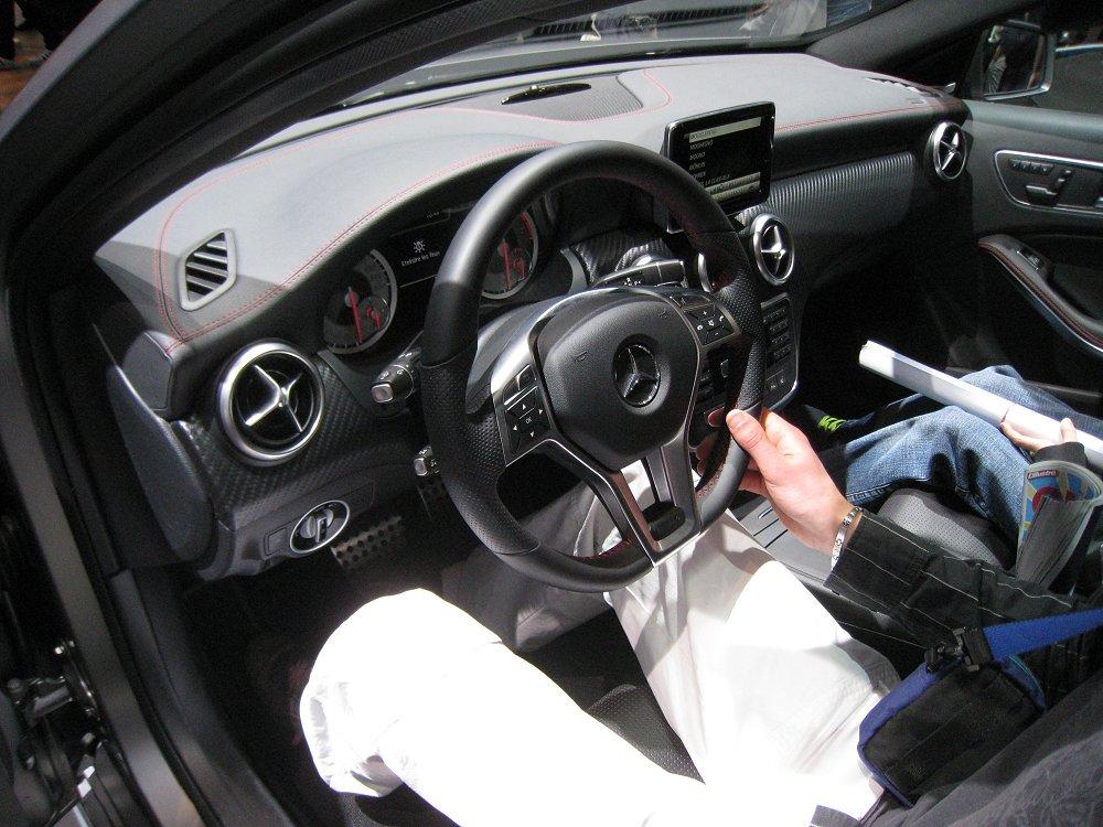 Mercedes benz a 220 cdi amg sport 2012 auta5p id 18148 ger for Benz sport katalog