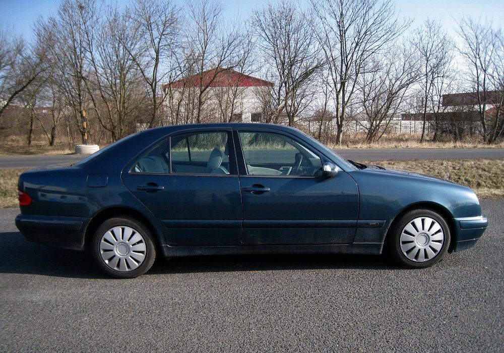 Mercedes benz e 320 cdi 2001 auta5p id 21079 en for Mercedes benz 320 cdi
